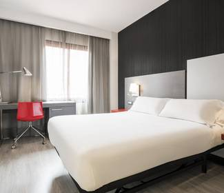 Quarto duplo hotel ilunion suites madrid
