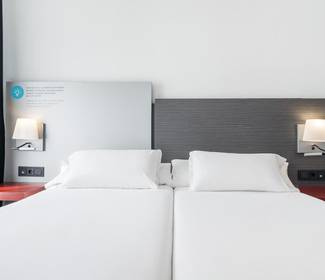 Quarto individual corporate hotel ilunion suites madrid